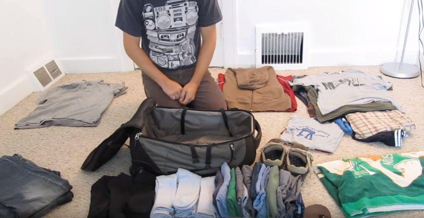 Pening Nak Susun Pakaian Balik Raya, Ini Tip Macam Mana Nak Kemas Beg Dengan Mudah